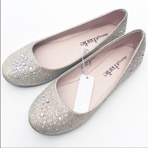 Fabulously Chic Flats Sparkle Everywhere You Go